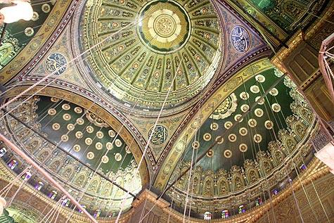 Bagian dalam atap mesjid