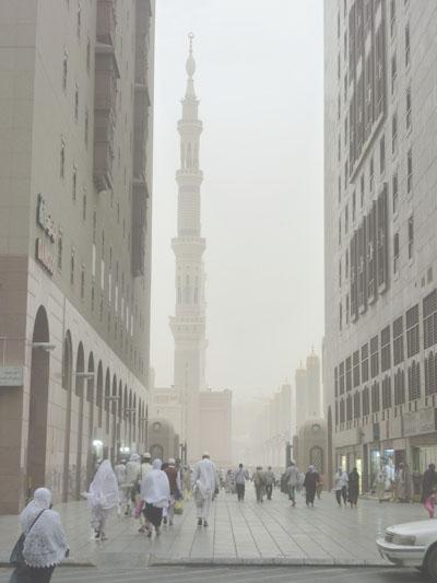 Pandangan Mata Perjalanan dari Hotel Menuju Masjid