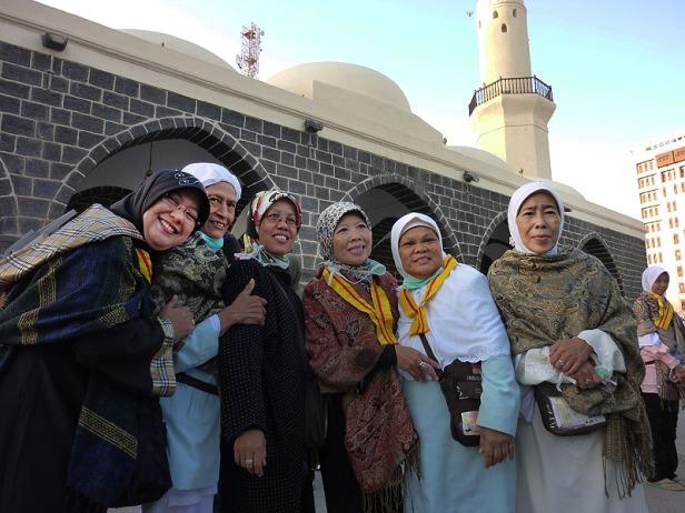 Beberapa Jamaah Berfoto Bersama
