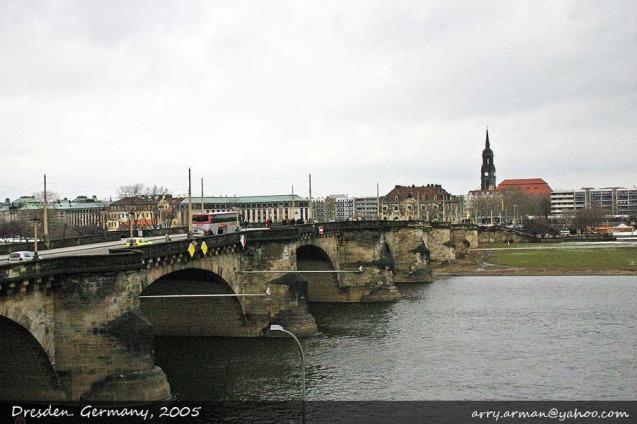 Jembatan indah di Kota Dresden