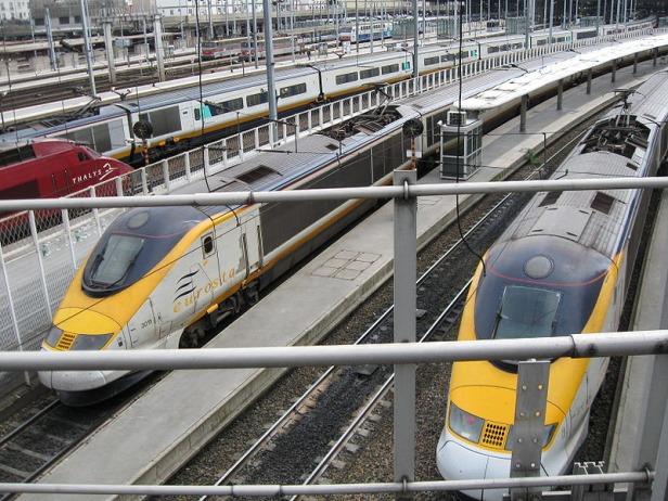 Kereta Eurostar di Gare du Nord Paris