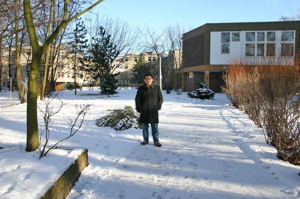 Pemandangan Serba Putih ketika Salju Baru Turun