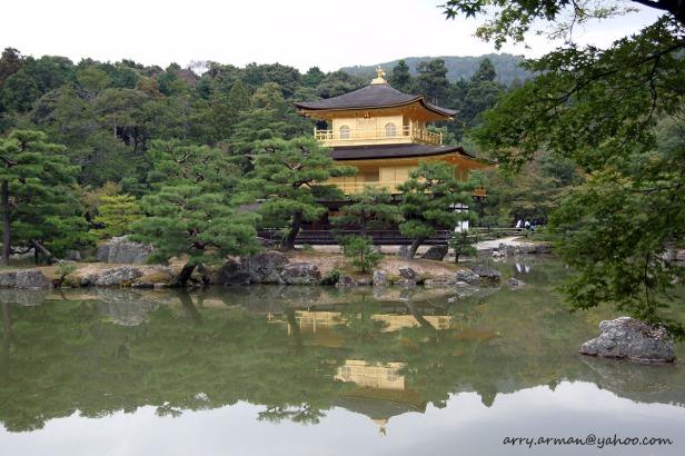 Kuil Kinkaku-ji di Kyoto