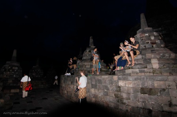 Sunrise Hunter at the top of Borobudur