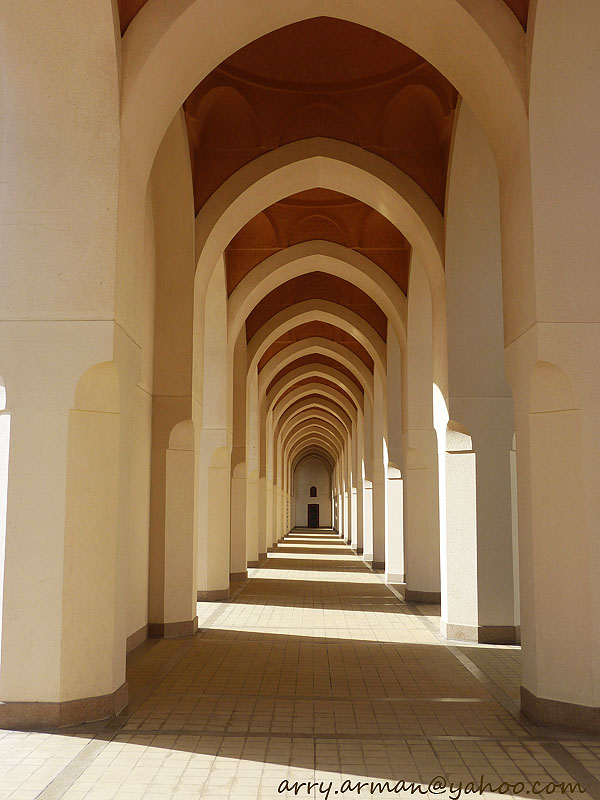 Sudut-Sudut Indah Masjid Bir Ali