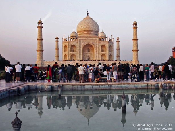 Mirroring of Taj Malam in the Water