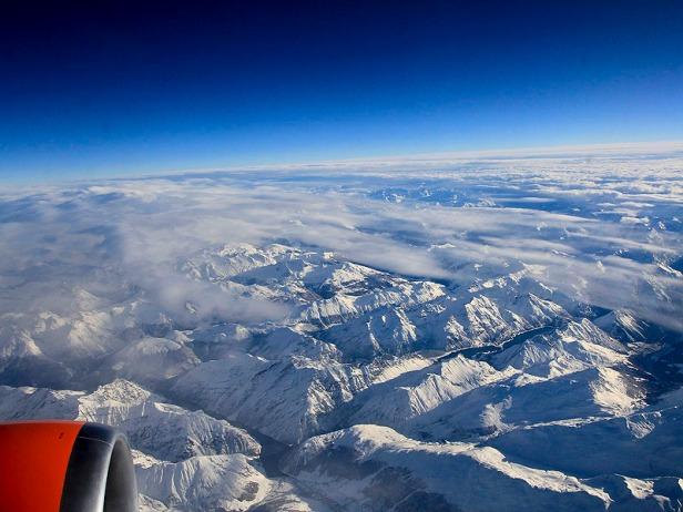 Pemandangan Indah dari jendela Pesawat
